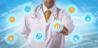 Scientifique Accessing Secure Data par l'intermédiaire de Web et de BYOD photos stock