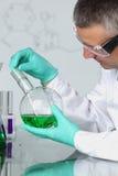 Scientifique de chimie Image stock