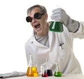 Scientifique fou fou avec la découverte Photo libre de droits