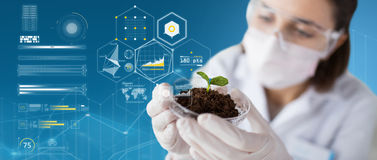 Free Scientist With Plant And Soil Over Virtual Charts Stock Photos - 89664233