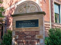 Scientology Kirche-Staatsangelegenheits-Bürogebäudeeingang stockfotografie