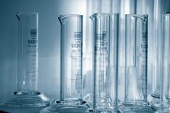 Scienza - cilinders graduati 1. Immagini Stock