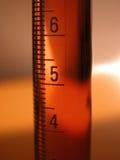Scienza - cilindro graduato Fotografie Stock Libere da Diritti