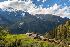 Scierie de montagne - paysage photo stock