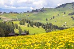 Sciliar nelle nuvole, Tirolo del sud, Italia Fotografia Stock Libera da Diritti