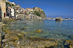 Scilla gammalt fiskeläge av Calabria (Italien) Royaltyfri Fotografi