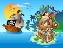 Scimmia e cassa del pirata sull'isola Fotografia Stock