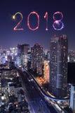 Scintilla con paesaggio urbano di Tokyo, Giappone del fuoco d'artificio da 2018 buoni anni Fotografia Stock