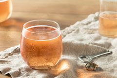 Scintillement alcoolique Rose Cider photos libres de droits