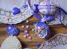 scintillio rotto della decorazione delle stelle di Easteregg fotografie stock libere da diritti