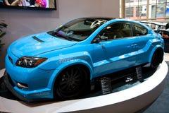 Scion bleu de Toyota sur l'affichage Images stock