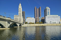 Scioto River and Columbus Ohio skyline in autumn Royalty Free Stock Images