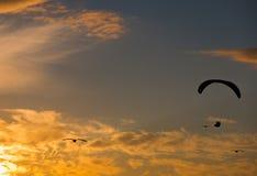 Scivolare di para di tramonto Fotografie Stock
