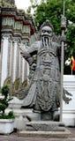 Sclupture gigante chinês no templo tailandês Foto de Stock Royalty Free