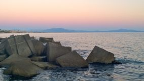 Scogli Al tramonto 免版税库存图片