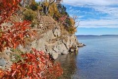 Scogliera in autunno Fotografia Stock Libera da Diritti