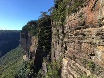 Scogliera blu della montagna Fotografia Stock Libera da Diritti