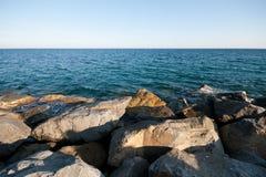 Scogliera del mare Immagine Stock Libera da Diritti