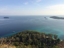 Scogliera del mare dell'isola di Koh Adang Fotografia Stock Libera da Diritti