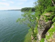Scogliera laterale del lago nel Missouri Immagine Stock