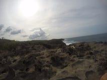 Scogliera, playa Esperanza Porto Rico immagini stock