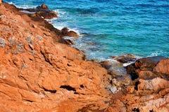 Scogliera, rocce e mare Fotografia Stock Libera da Diritti