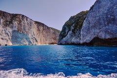 Scogliera rocciosa sull'isola di Zacinto fotografia stock