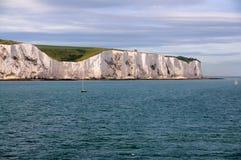 Scogliere bianche di Dover dal mare Fotografia Stock Libera da Diritti