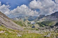 Scogliere dell'alta montagna nel parco nazionale di Ergaki, Russia Fotografia Stock Libera da Diritti
