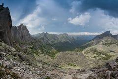 Scogliere dell'alta montagna nel parco nazionale di Ergaki, Russia Fotografie Stock