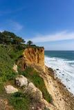 Scogliere dell'arenaria vicino a Ponta da Piedade, Lagos Portogallo fotografia stock libera da diritti