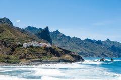 Scogliere di Almaciga sulla costa Est del nord di Tenerife Fotografia Stock