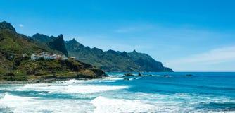Scogliere di Almaciga sulla costa Est del nord di Tenerife Fotografie Stock