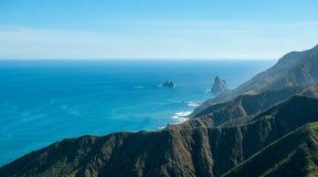 Scogliere di Benijo, costa Est del nord di Tenerife Immagine Stock