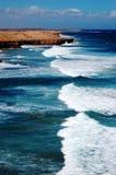 Scogliere ed oceano Fotografia Stock