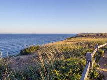Scogliere nazionali della spiaggia di Cape Cod a Goldenhour fotografia stock libera da diritti