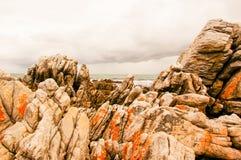 Scogliere sulla caverna di De Kellders Drip, Sudafrica immagine stock