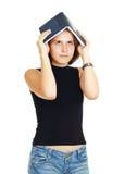 Scolara con l'apprendimento Fotografie Stock Libere da Diritti
