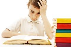 Scolaro arrabbiato con le difficoltà di apprendimento Immagine Stock