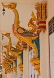 Scolpisca il cigno per la decorazione al tempio in Tailandia Immagine Stock