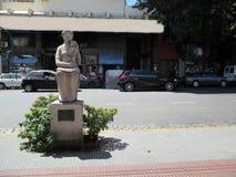 Scolpisca l'omaggio alla madre, da Francisco Reyes nel Paseo de las Esculturas Boedo Buenos Aires Argentina fotografie stock libere da diritti