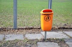 Scomparto di rifiuti arancione Immagine Stock Libera da Diritti