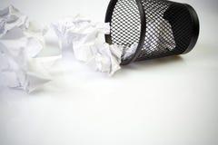 Scomparto di rifiuti con le sfere di carta Immagini Stock Libere da Diritti