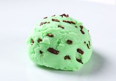 Scoop of green ice cream Royalty Free Stock Photography