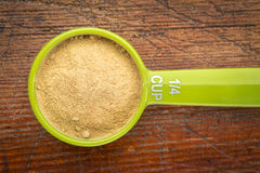 Scoop maca root powder Stock Photography