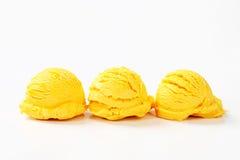 Scoops de crème glacée de fruit Photographie stock