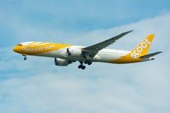 Scoot Airline Airplane Landing à l'International de Singapour Changi photos stock