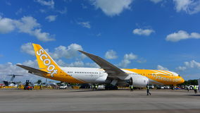 Scoot Boeing 787 Dreamliner on display at Singapore Airshow Stock Photos