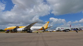 Scoot Boeing 787 Dreamliner and Qatar Airways Airbus A350-900 on display at Singapore Airshow Stock Photos