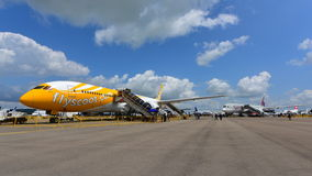 Scoot Boeing 787 Dreamliner and Qatar Airways Airbus A350-900 on display at Singapore Airshow Stock Photo